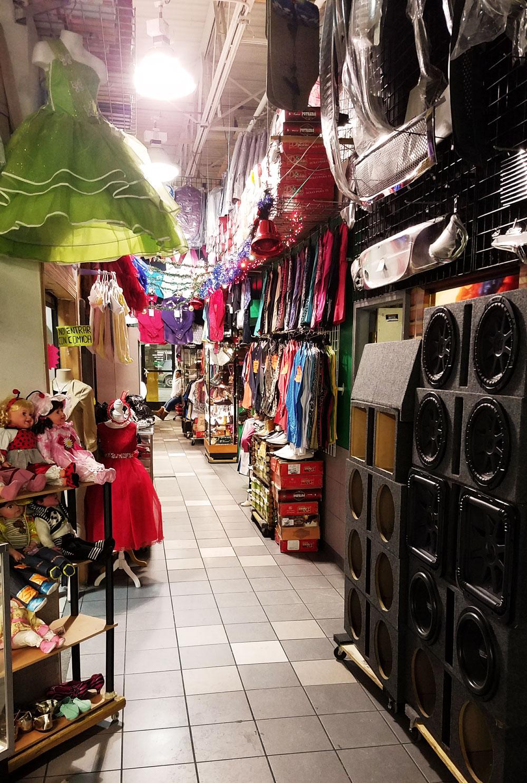 lake plaza mexican shopping